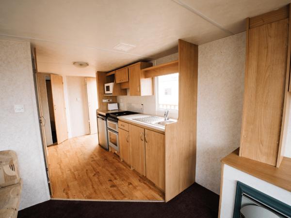 011 Delta Santana 28ft x 12ft - 2 bed for sale at Castle Cove Caravan Park in Abergele North Wales - Kitchen
